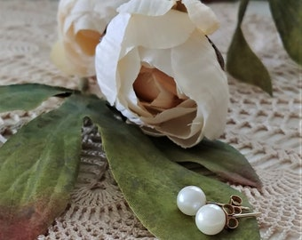 Vintage White Cultured Pearl Earrings with Gold Posts