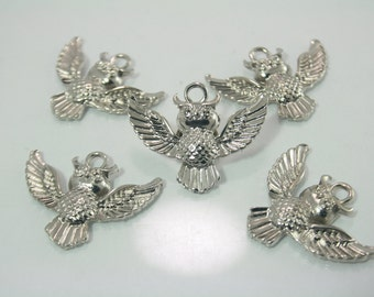 10 pcs.Zinc Silver Tone Owl Charms Pendants Decorations Findings 30x24 mm. O1 RC