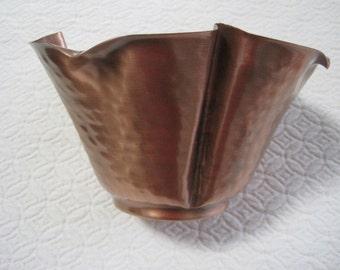 Gregorian Solid Copper Planter, # 605, Ruffled Edge, Vintage