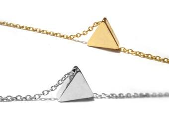 Tiny Triangle Necklace / Minimal Jewelry / Small Triangle Choker /Dainty Geometric Jewelry / Layered Necklace / N166