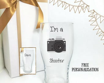 Gift for photographer, photography gifts, photographer wine glass, i shoot people, camera gifts, photographer gift, friend gift ideas,