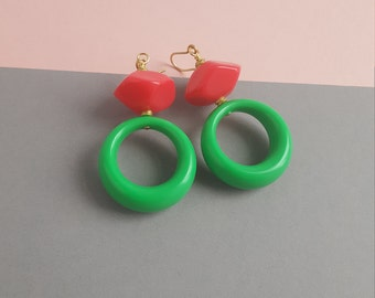Green and pink lucite bead earring