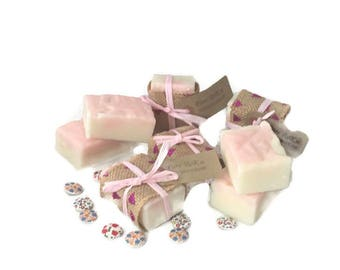 Pink Soap, Wedding favours, Mothersday gift, Handmade natural soap, Bridesmaid gift, Gift for her,  Gift for girls, Coldprocess soap, soap
