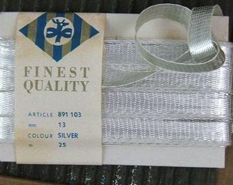 1 Foot Vintage 1950s Silver Lahnband - Real Metal Ribon