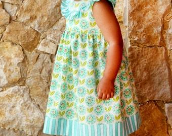 Patron robe de bébé Alana - nouveau-né à 24 mois - taille haute, Lily Bird Studio PDF volante empiècement