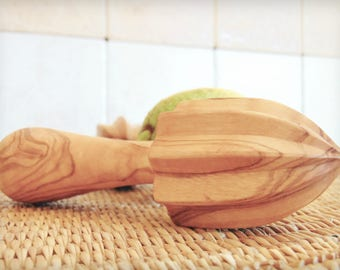 Olive Wood Lemon Juicer / Citrus Reamer Press / Wooden Lemon squeezer