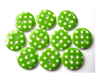 10 Plastic buttons green with white dots