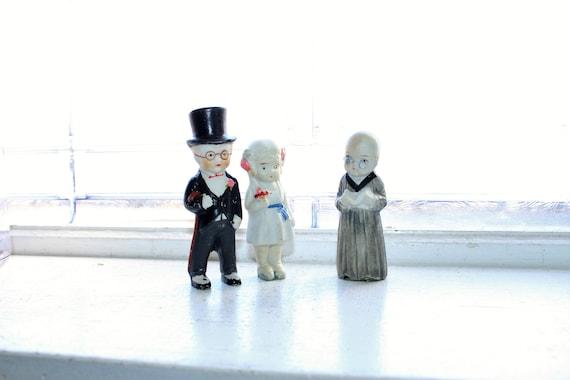 Antique Bisque Dolls Bride Groom & Preacher Clergy Wedding Cake Topper