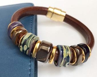 Bracelet Leather With Beads Lampwork Regaliz Brown Leather Brown Lampwork Multi-Colored Regaliz Lampwork Malachite box Magnetic closure