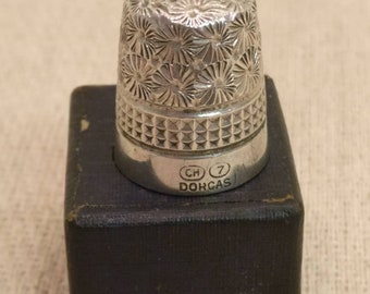 Vintage Charles Horner Dorcas CH 7 Thimble, in original box. Sterling Silver