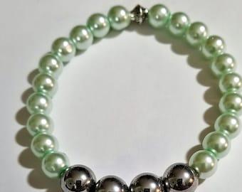 Silver Balled Green Gloss Bead Bracelet