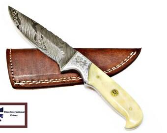 DAMASCUS KNIFE/ Titan/ Engraved Bolster & Camel Bone TD-E12