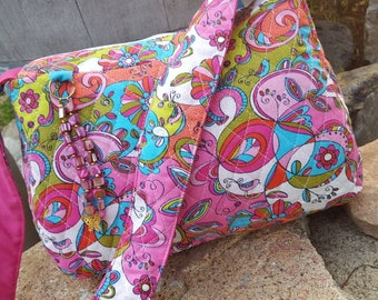 Quilted Purse, Pink Quilted Purse, Pink & Turquoise Purse, Purse with outside Pocket, Pink Quilted Handbag