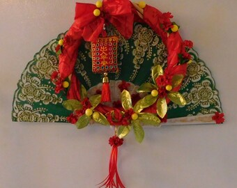 Chinese New Year Wreath with Fan