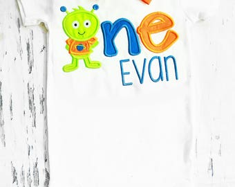 Baby boy Monster First birthday Cake Smash outfit baby boy alien themed first birthday onesie Baby Boy alien bow tie set
