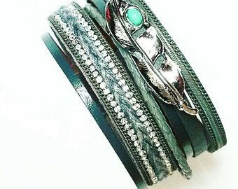 Bracelet / Magnetic Bracelet / Boho / Jewelry / Hippie / Green Jewelry