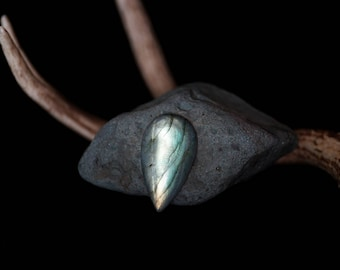 Large Pear Labradorite Cabochon // 109 carats // teardrop, green and blue hues, magical and iridescent // 102