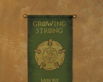 "Hand Painted House Tyrell ""Growing Strong"" Canvas Banner - Name and Motto - Game of Thrones - Cosplay Prop - Sigil"