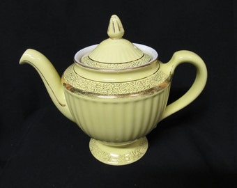 Vintage Hall 8 Cup Teapot,  Yellow Los Angeles Pattern #099