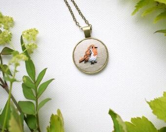 Hand Embroidered Bird Pendant, Robin Bird Necklace, Hand Embroidered Pendant, Garden Bird Necklace, Robin, British Garden Birds