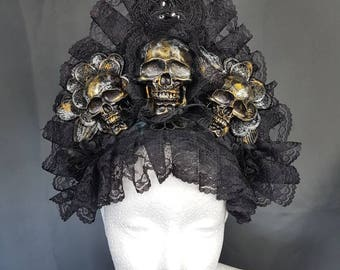 Skull kokoshnik headpiece in gold silver bronze colour with lace trim / Totenschädel kokoshnik in bronze gold silber lackierung