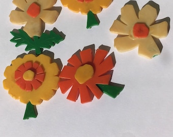 5 Mid Century Vintage flower refrigerator magnets! Fantastic period colors of orange, yellow and green!