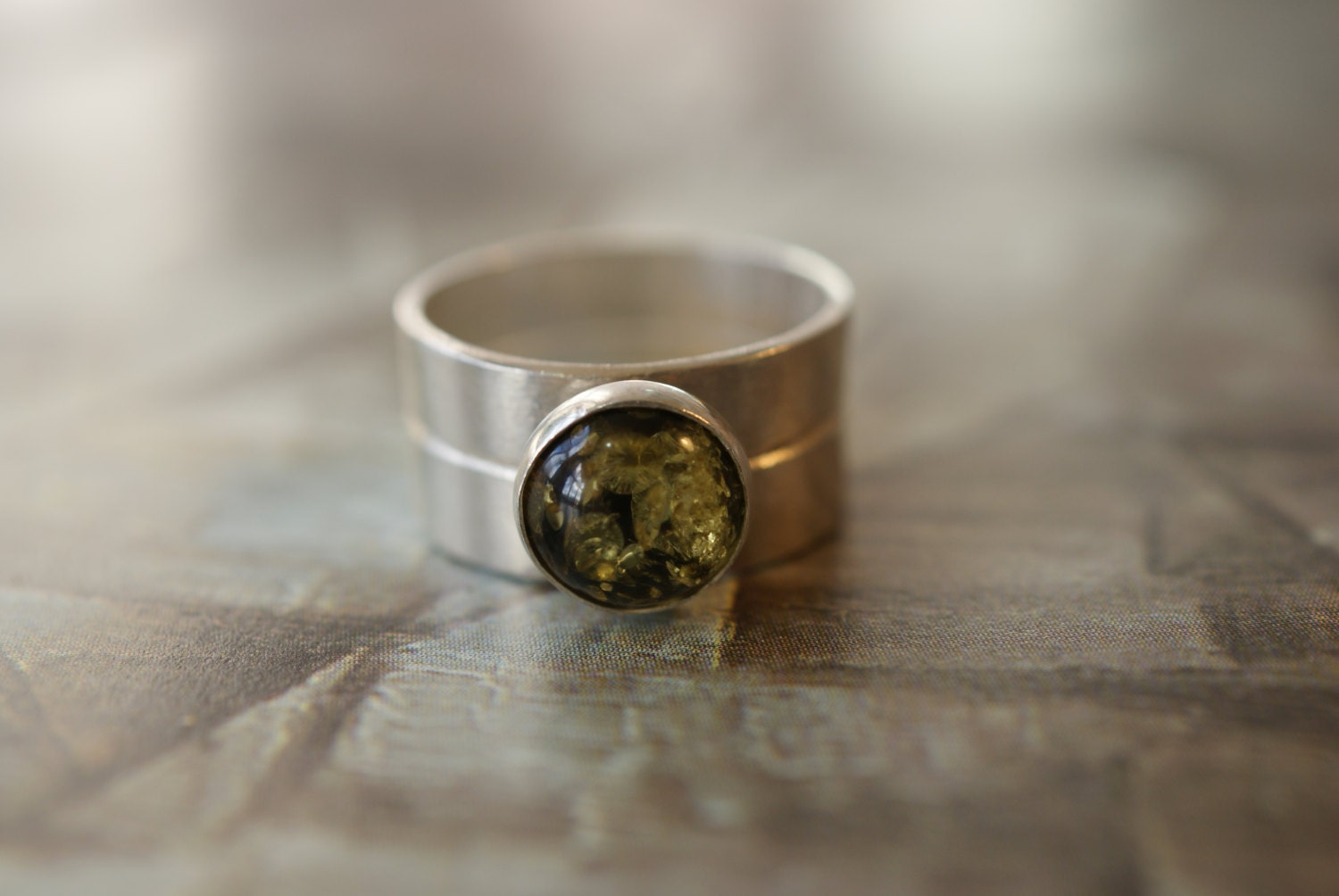 Silver Two Band Ring With 8mm Green Amber Stone Dr Who