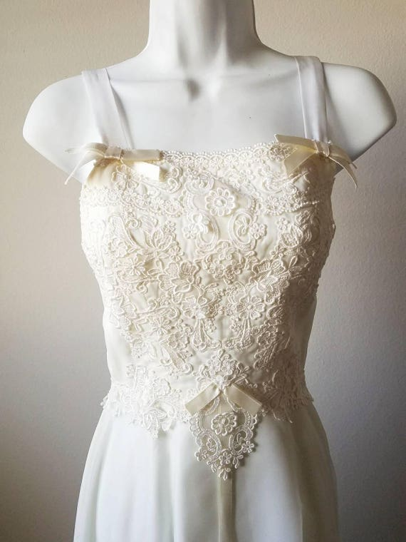 1970\'s White Cream Wedding Dress // Vintage // Wedding