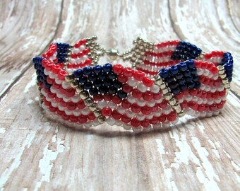 American Flag Bracelet, Patriotic Bracelet, Flag Bracelet, Red, White & Blue Bracelet, Fourth of July Bracelet, July 4th Bracelet, Patriotic