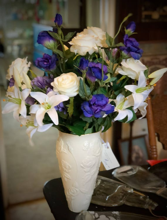 Lenox Vase With Roses And Lisianthus