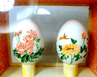 Pair of Hand Painted Eggs, in a Display Case Box, 1980s Real Hen Egg Shells w Colorful Chinese Traditional Paintings
