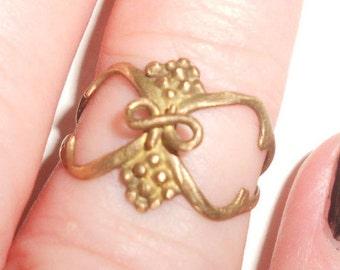 Art Nouveau Ring 10K Grape Vine & Cluster Edwardian Antique Ladies Size 6-1/2