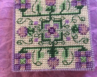 lavender sachet box, Thistle pattern, opens to fragrant lavender flowers, refillable