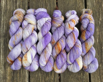 Purple Crocus// Super Sheepy Sock // 100% Wool Yarn // Non superwash yarn