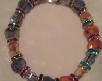 Stretchy Bracelet With Faceted Cyrstal Glass Beads