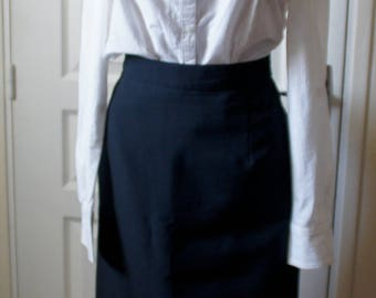 Black skirt with elastic waist vintage right. 1940s style