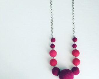 Berwyn Felt Necklace in Berry / Fuchsia, Purple Graduated Necklace, Color Block, Felt Balls, Long Layering Necklace, Chunky Modern Jewelry