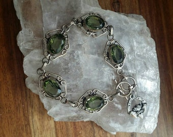 Silver Peridot Irish Claddagh Bracelet