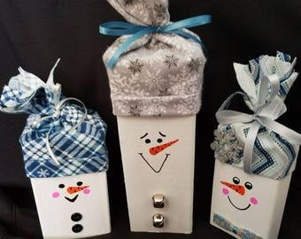 Wood Snowmen set