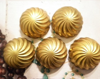 5 Vintage Brass 38mm Twisted Dome Findings
