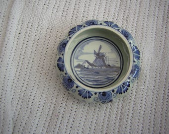 Delft ashtray hand painted 9 cm in diameter