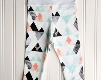 Geo Mountain Leggings