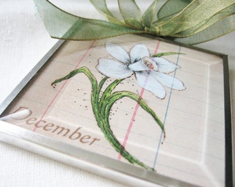 December Birthday Month Flower - Narcissus - Beveled Glass Ornament - Birthday Gift -  Art for Small Spaces - Gift for Her - Wall Decor Art