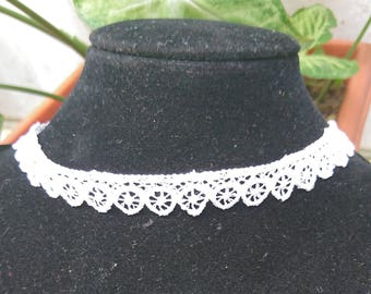 Lace white Choker necklace