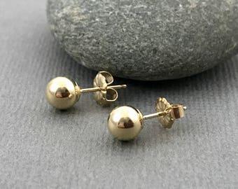 Round gold stud earrings, Gold earrings, 14K Goldfilled post earrings, Gold pebble earrings, Simple gold stud earrings, Small round posts