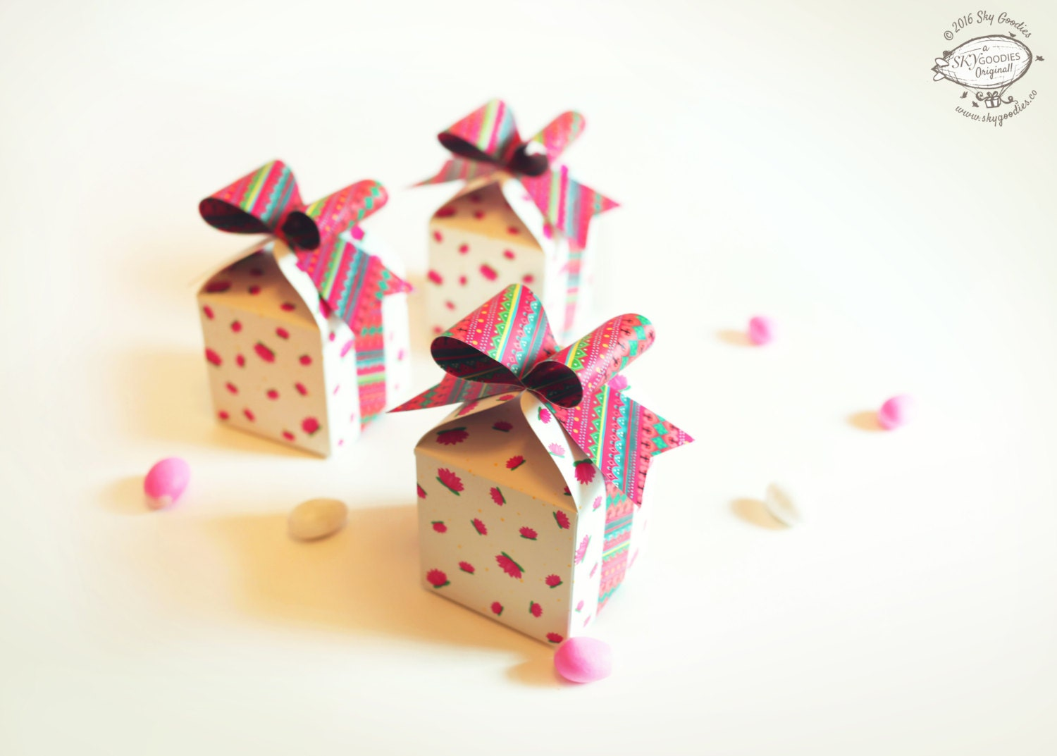 Physical Item, Set of 3 Bow Gift Box Party Favors: White n Pink ...