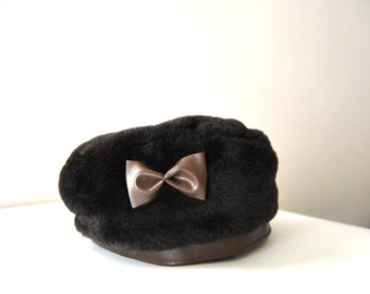 70s Faux Fur Beret With Vegan Leather Bow And Trim