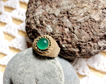 Garnet ring, macrame with Green Garnet set in brass, bohemian jewelry, cavandoli macrame, size S, M, anillo de macrame con granate verde