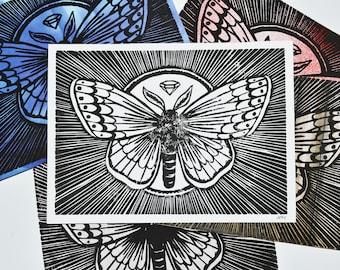 Papillon de nuit imprimé à la main