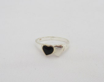 Vintage Sterling Silver Inlay Black Onyx Hearts Ring Size 6